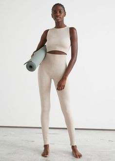 #andotherstories #yoga #active #sport #outfit #inspiration #yoga Legging Outfits, Shirt Outfit, Tights, Leggings, Yoga Bra, Ethical Clothing, Fashion Story, Skinny Pants, Active Wear