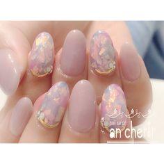 What Christmas manicure to choose for a festive mood - My Nails Lilac Nails Design, Purple Nails, Opal Nails, My Nails, Winter Nail Designs, Gel Nail Designs, Chrome Nail Art, Korean Nails, Kawaii Nails