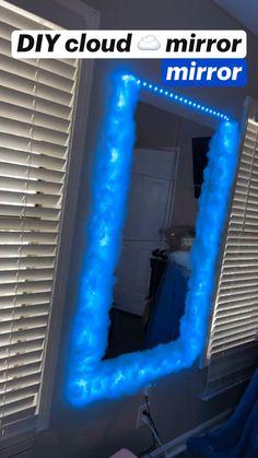 Indie Room Decor, Cute Bedroom Decor, Bedroom Decor For Teen Girls, Room Design Bedroom, Teen Room Decor, Aesthetic Room Decor, Room Ideas Bedroom, Neon Bedroom, Deco Cool