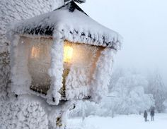 snowy lamp post♥