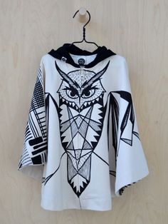 Huhuu cape, black and white - SOLD OUT