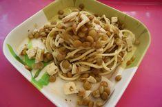 Spaghetti z zieloną soczewicą + 12 m - Mamachef Tofu, Spaghetti, Ethnic Recipes, Curry, Curries, Noodle