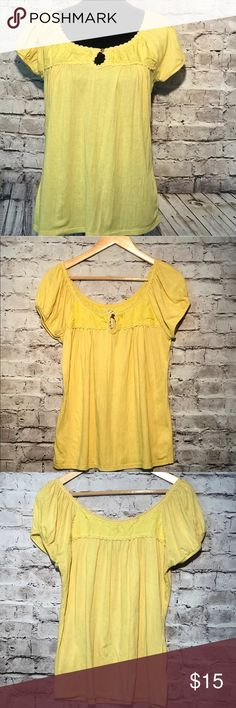 Ric Rac Anthropology Ladies Medium Blouse Top Very Good Condition Short Sleeve RIC RAC Anthropology Ladies medium Polyesters Cotton key hole Neck line B-77 Anthropology Tops Blouses