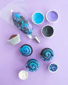 Chocolate Swirl Galaxy Cupcakes Tutorial Learn how to make these stellar swirly galaxy cupcake for a party out of this world! These outer space themed party cupcakes are perfect for your upcoming galaxy and outer space party!I Sweets & Treats Swirl Cupcakes, Themed Cupcakes, Fun Cupcakes, Cupcake Party, Birthday Cupcakes, Cupcake Decorating Party, Birthday Brunch, 9th Birthday, Birthday Ideas