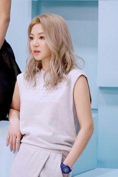 SNSD Hyoyeon  - Casio Baby- G 2017