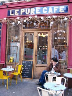 Le Pure Cafe was in one of fav films 'Before Sunset' with the gorgeously wonderful Julie Delpy and Ethan Hawke.