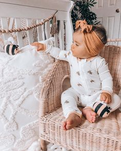 Cute Baby Girl Outfits, Cute Baby Clothes, Kids Outfits, Hipster Baby Clothes, Cute Baby Pictures, Baby Photos, Baby Girl Fashion, Kids Fashion, Little Babies