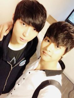 Leo and N [Hack yeon] selca VIXX