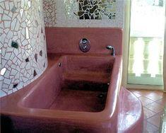 Beautiful. Tadelakt bathtub. Just needs to be way bigger