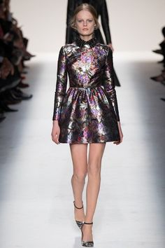Foto VHW201415 - Valentino Herfst/Winter 2014-15 (1) - Shows - Fashion - VOGUE Nederland