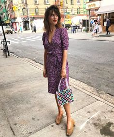 French Women Style - Jeanne Damas in Susan Alexandra Bag French Style Dresses, French Women Style, French Girls, Jeanne Damas, Parisienne Chic, Bold Fashion, Girl Fashion, Fashion Trends, French Street Fashion
