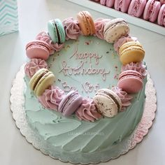 Ideas for birthday cake decorating macarons Beautiful Desserts, Beautiful Cakes, Pretty Cakes, Cute Cakes, Bolo Paris, Macaroon Cake, Birthday Cake For Mom, Pastel Cakes, Mom Cake