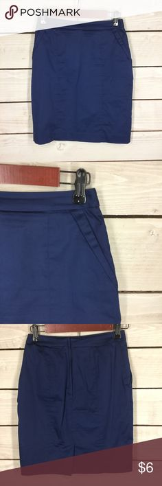 H&M Navy Blue Pencil Skirt H&M Navy Blue Pencil Skirt Women's Size 4 Length: 19 Waist: 13. $6 Young Professionals Club – Bundle any of my $6 listings for an unbeatable discount. I have handpicked office wear in excellent condition to build or expand your career wardrobe at an affordable price. Browse my listings and find a few items that you can use for work, school or interviews and I will give you a great deal with 1 shipping cost! H&M Skirts Mini