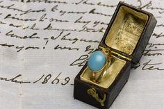 Hands off Jane Austen's ring, Britain tells United States singer Kelly Clarkson