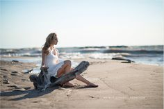 Outdoor Senior Pic Idea on the Beach! Styled shoot - Loose Curls - Hairstyle - Makeup - Trendy Girl - Senior Photos - Sewickley Senior Pictures - Senior Girl Poses - Indie - Boho - Teen Fashion - Senior Inspo - Hair and Makeup - By Merritt Lee Photography