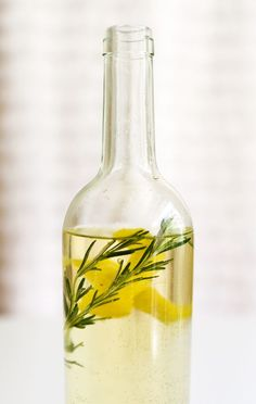 How to make herb infused wine. It doesn't even require a recipe, just pick your favorite herbs and fruit and create your own delicious drinks! | Cupcakes and Cutlery