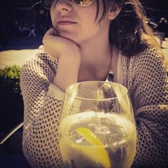 Fashion&Sun White Wine, Alcoholic Drinks, Sun, Glass, Fashion, Moda, Alcoholic Beverages, Drinkware, White Wines