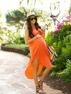 <p>Dress Your Baby Bump With Inspiration From Style Bloggers</p>