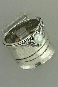 Oley Ring -- Zvu Imports / Artisan Jewelry Online Store