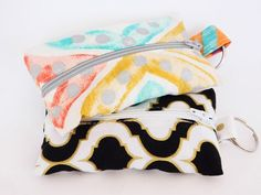 Essential Oils Key Rings with zippers Sewing Machine Cake, Zipper Pouch Tutorial, Diy Bags Purses, Pouch Pattern, Zipper Bags, Bag Making, Bag Accessories, Essentials, Sewing Ideas