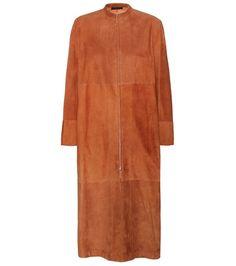 Dark brown THE ROW  leather jacket  for woman Luri Tan Suede Coat By The Row #chaquetadecuero #polipiel #biker #ante #anteflecos #pielflecos #polipielflecos #antelina #decuero #leather #suede #suedette #fauxleather