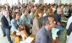 Le Conseil général des Pyrénées-Atlantiques veut promouvoir une alimentation saine, équilibrée, et de proximité dans les collèges et les maisons de retraite.