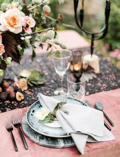 Moody Midnight Inspiration // dusty rose velvet tablescape with marble elements and deep blue texture
