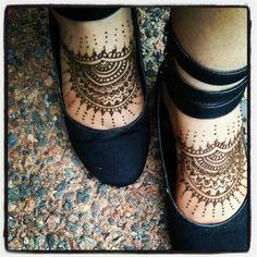 Freestyle feet henna