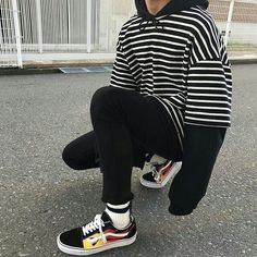 ** New Streetwear Daily ** Neue Outfits, Edgy Outfits, Retro Outfits, Grunge Outfits, Cool Outfits, Fashion Outfits, Sport Outfits, Fashion Mode, Aesthetic Fashion