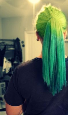 Neon green ombre ponytail. I love the color green! If only my job would allow :(