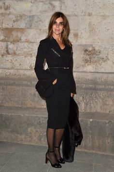 Carine Roitfeld Photos Photos - Carine Roitfeld attends the Givenchy show as part of the Paris Fashion Week Womenswear  Spring/Summer 2017  on October 2, 2016 in Paris, France. - Givenchy : Front Row - Paris Fashion Week Womenswear Spring/Summer 2017
