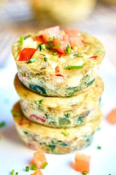 Start your day right with Healthy Egg Muffin Cups! Only 50 calories per muffin, LOADED with vegetables, and can be made in advance! Egg Muffin Cups, Egg White Muffins, Cooking Recipes, Healthy Recipes, Healthy Food, Avocado Recipes, Rice Recipes, Fall Recipes, Seafood Recipes