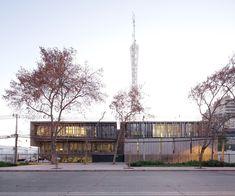 Edificio ONEMI, Santiago, Chile - Teodoro Fernández Arquitectos - © Nico Saieh