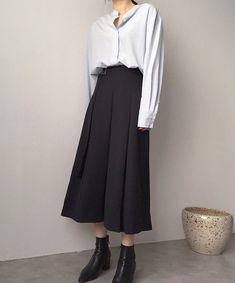Korea Fashion, Daily Fashion, Fashion Beauty, Girl Fashion, Fashion Outfits, Simple Outfits, Simple Dresses, Matches Fashion, Outfit Goals
