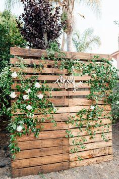 Grad Party Decorations, Outdoor Wedding Decorations, Our Wedding, Dream Wedding, Wedding Ideas, Pallet Wedding, Rustic Garden Wedding, Wedding Photos, Wedding Photo Backdrops