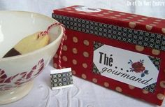 Boite à thé rouge