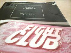 """""""Forse l'automiglioramento non è la risposta.  Forse la risposta è l'autodistruzione.   Forse abbiamo bisogno di spaccare tutto per tirare fuori qualcosa di meglio da noi stessi.""""   Chuck Palahniuk, Fight Club."""