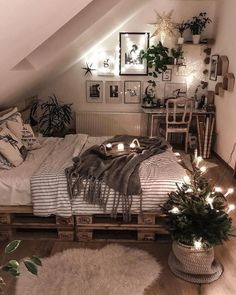design for small bedroom diy \ design for small bedroom . design for small bedroom space saving . design for small bedroom diy . design for small bedroom ideas . design for small bedroom layout Decor Room, Home Decor Bedroom, Bedroom Inspo, Diy Bedroom, Bedroom Inspiration Cozy, Girls Bedroom, Bedroom Furniture, Bedroom Sets, Bedroom Curtains