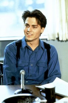 Johnny Depp 21 Jump Street Ermagerd he looked so hot back then Johnny Depp Fans, Young Johnny Depp, Here's Johnny, Johnny Depp Movies, Tim Burton, Kentucky, Jonny Deep, Johnny Depp Pictures, 21 Jump Street
