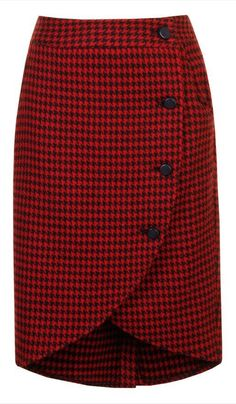 Loving this Alice's Pig Red & Black Houndstooth Wendy's Wrap Skirt on Casual Dress Outfits, Casual Skirts, Skirt Outfits, Dress Skirt, Moda Do Momento, Cute Skirts, African Fashion, African Style, Korean Fashion