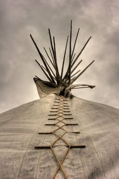 Envers du Decor — old-hopes-and-boots: Plains Mobility Technology,. Native American Teepee, American Indian Art, Native American Art, American Indians, American History, Native Indian, Native Art, Photo D Art, American Spirit