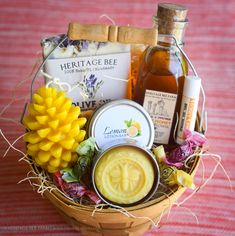 Heritage Bee Farm Honey and Hive Gift Basket - Gourmet Deluxe, Great Natural gifts for any occasion with many of our wonderful handmade products. Florida Raw Honey, Beeswax Candles, Lotion Bar, Beeswax and Honey lipbalm, Organic Honey Candies, Handmade soap