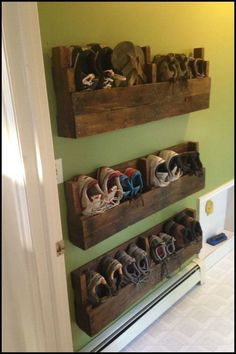 16 Easy DIY Pallet Furniture Ideas to Make Your Home Look Creative https://www.onechitecture.com/2017/11/20/16-easy-diy-pallet-furniture-ideas-make-home-look-creative/ #modernfurniture2017