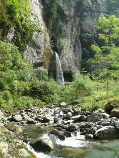 Les gorges de Kakuetta au Pays Basque
