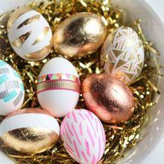 Einfarbige Eier sind ja sowas von 2017! Wir zeigen euch, wie ihr eure Osterteier jetzt aufregend färben und kreativ gestalten könnt...