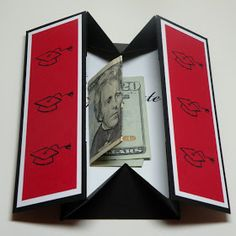 graduation look Carolyns Paper Fantasies: Graduation Box Card - Gift Idea.I ed through to a six minute how to video-looks like a winner. Mini Album Scrapbook, Scrapbook Cards, Fancy Fold Cards, Folded Cards, Joy Fold Card, Graduation Cards Handmade, Graduation Gifts, Gift Cards Money, Gift Card Cards