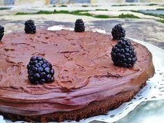 Keto & Paleo Chocolate Cake