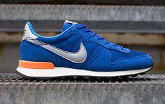 Nike Internationalist   Game Royal & Atomic Orange