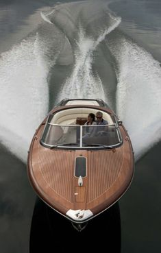 what a beautiful boat...making a gorgeous wake
