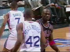 Kobe Bryant Michael Jordan, Mike Jordan, Michael Jordan Pictures, Michael Jordan Photos, Michael Jordan Basketball, Michael Jordan Poster, Celtics Basketball, Basketball Legends, Sports Basketball